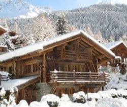 Chalet Varaha: Outside view