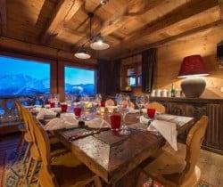 Chalet Nuha: Dining area
