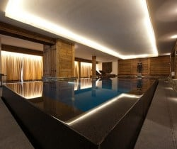 Chalet Peak: Swimming pool