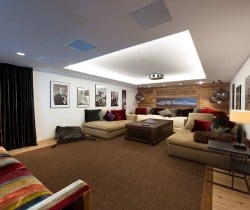 Chalet Peak: Cinema room
