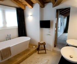 Chalet Peak: Bathroom