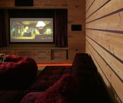 Chalet Tago: Cinema