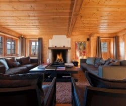 Chalet Tootsie: Fireplace