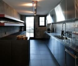 Chalet Sattva: Kitchen