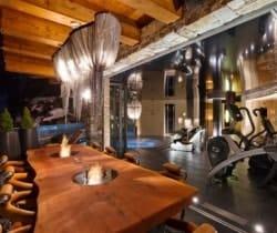 Chalet Aradia: Al fresco dining terrace