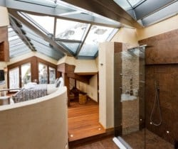 Chalet Aradia: Bathroom