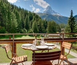 Chalet Apartment Miki: Al fresco dining area