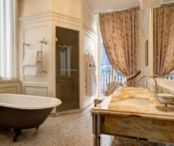 Villa Cima: Bathroom