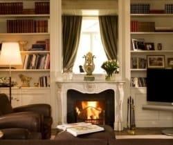 Villa Griante: Fireplace