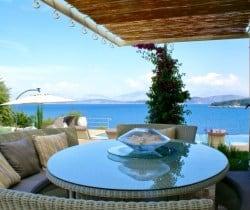 Villa-Aglaia-All-fresco-dining-area