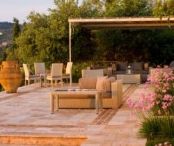 Villa-Aglaia-Outdoor-chill-area