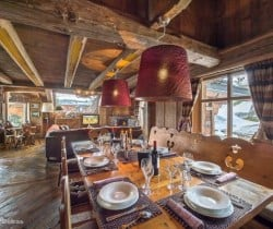Chalet Antarctica: Living and dining area