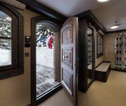 Chalet Kurma: Entrance