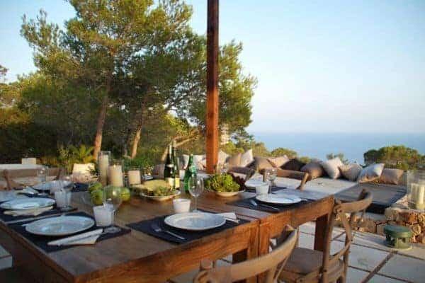 Villa Anindita: Al fresco dining area