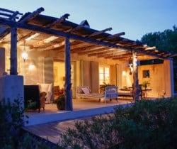 Villa-Bonita-Outdoor-chill-out-area-by-night