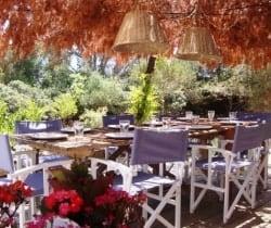 Villa Totem-Al fresco dining area