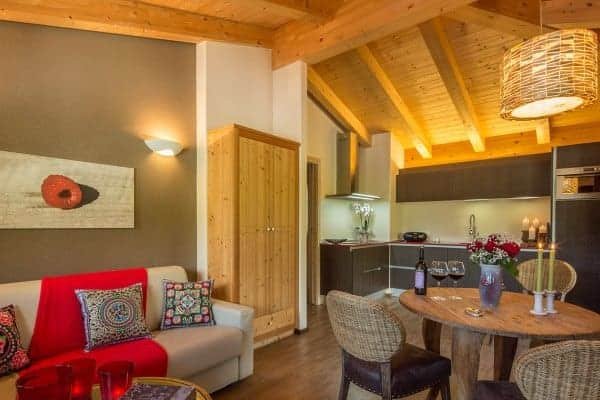 Chalet Morisa-Top floor living area