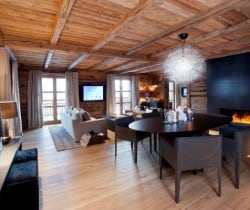 Chalet Astro: Suite living room