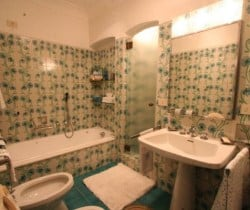 Villa Regina -Bathroom