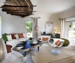 Villa Bithia: Living room
