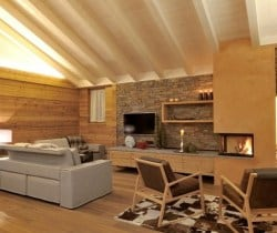 Chalet Croce: Fireplace