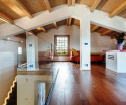 Villa Sogni - Studio and living area