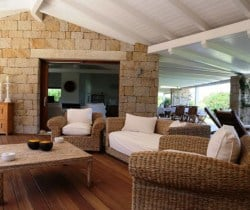 11Villa Elinor - In&Out chill out area