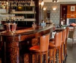 Chalet Elle: Bar
